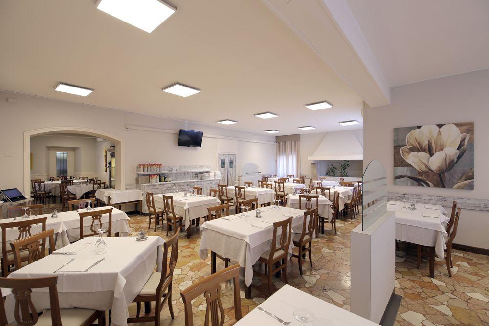 Sala - Ristorante Pizzeria Quattro Camini - Poncarale