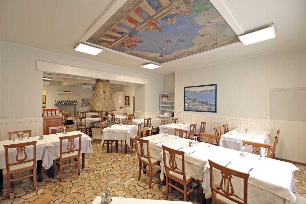 Sala con affresco - Ristorante Pizzeria Quattro Camini - Poncarale